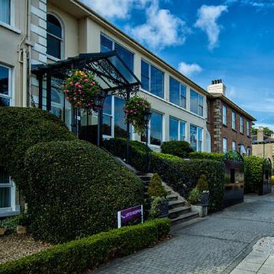 Sandymount Hotel - 400x400